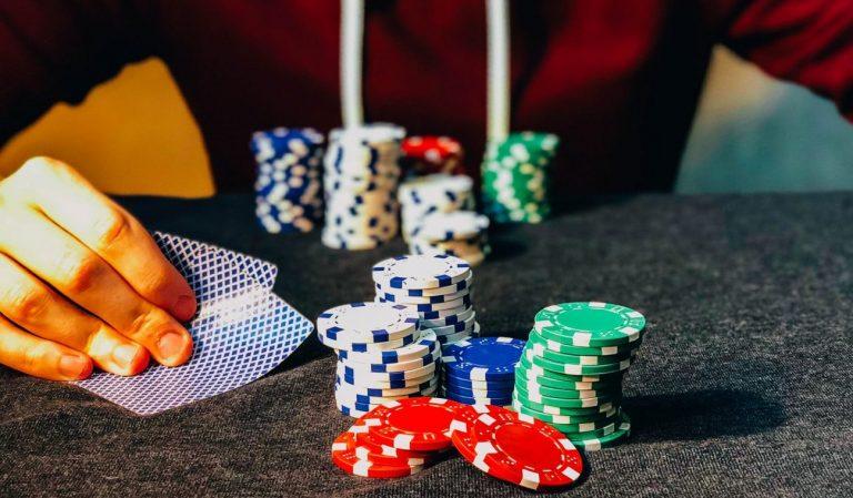 Play Online Card Gambling Games